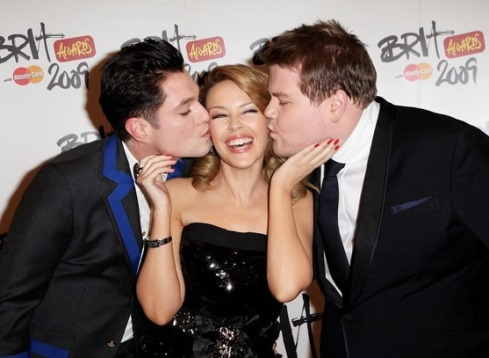 KYLIE & HER BOYS - BRITS 2009